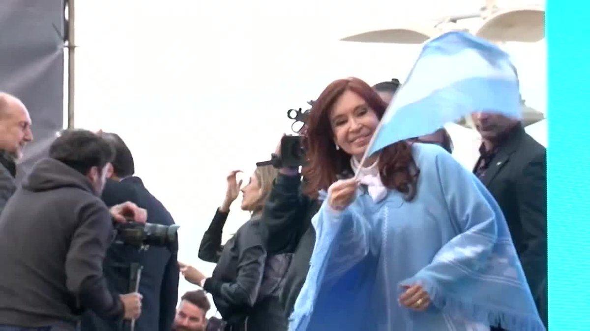 Argentina cierra su extenuante campaña como la empezó: el peronismo, favorito