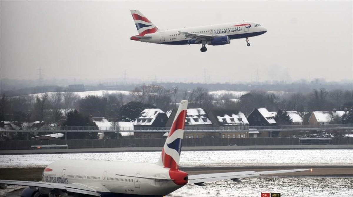 Un avión deBritish Airways en el aeropuerto de Heathrow en diciembre.
