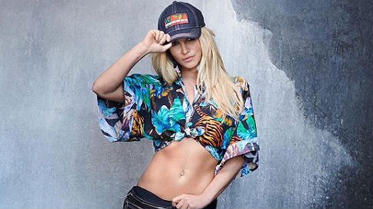 Britney Spears ha trabajado a fondo su cuerpo para lucir estupenda para la nueva campaña de Kenzo.