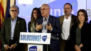 El candidato de Unió, Josep Antoni Duran Lleida, durante su intervención tras conocer los resultados obtenidos en las elecciones del 20-D.
