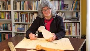 """Laura de Castellet: """"Em dedico a desmuntar tòpics sobre el passat"""""""