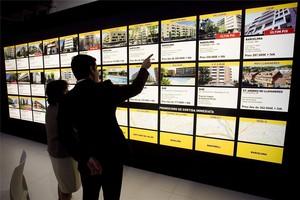 Compradors al saló immobiliari Barcelona Meeting Point