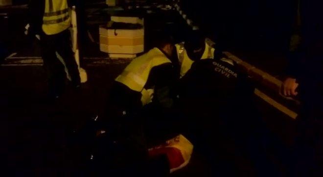 Entre gritos y gemidos, a Francisco José Macero, secretario de Organizacióndel sindicato penitenciarioACAIP, lo detuv el 20 de noviembre la Guardia Civil en el acceso al penal de Alhaurín de la Torre. Erala sexta jornada de huelga de trabajadores de prisiones.