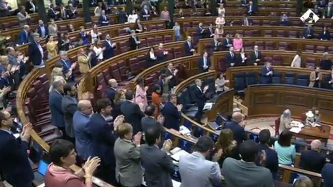 El Congreso rinde homenaje a Fernando Morán con un aplauso.