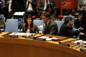 La embajadora de EEUU ante la ONU,Nikki Haley, en la reunión del Consejo de Seguridad.