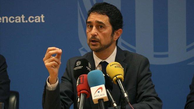 El conseller Damià Calvet, durante la rueda de prensa que ha ofrecido este lunes.