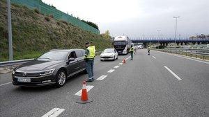 El Gobierno prorroga 14 días los controles de fronteras con Francia y Portugal