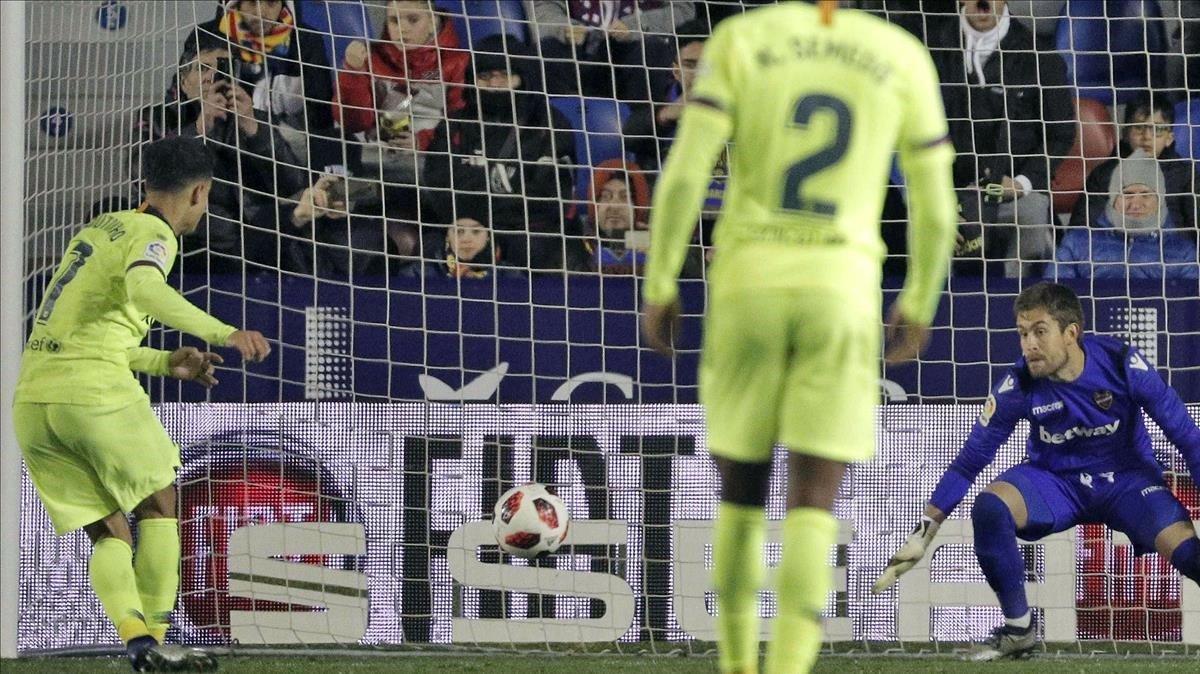 Coutinho marca de penalti el 2-1 definitivo