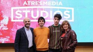 Los Javis firman un acuerdo de exclusividad con Atresmedia Studios