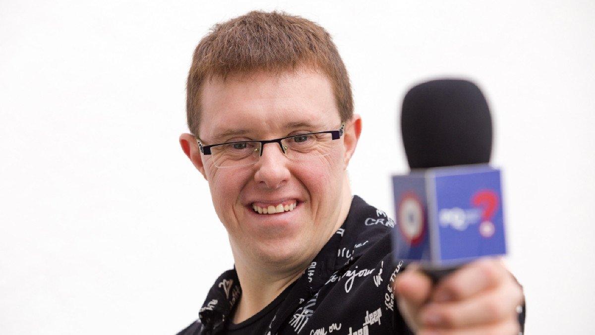 Eloi Collell, presentador del programa de TV-3'Per què volen els avions?'