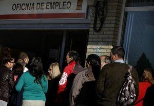 Espanya redueix l'atur, però continua sent el segon país més perjudicat de la UE
