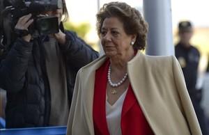 La exalcaldesa de Valencia Rita Barberá, a su llega al juicio por el caso Nóos, el pasado 12 de abril en Palma.