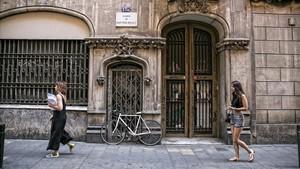 Fincas de las calles de Sant Pere Més Alt donde estaba proyectado el hotel del Palau de la Música.