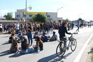 Una protesta estudiantil acaba amb carreres i cops de porra a Sabadell