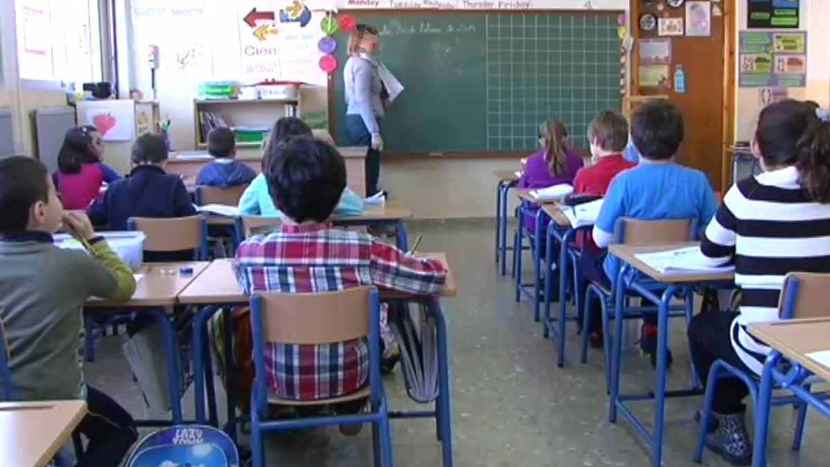 Hacienda pone en su punto de mira las donaciones que hacen los padres en la escuela concertada. Esos colegios reciben dinero público y deberían ser totalmente gratuitos.