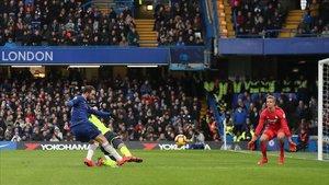 Higuain en el estadio londinense del Chelsea.