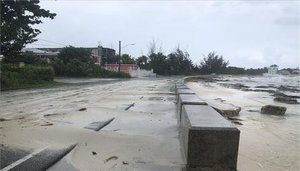 Bahamas se prepara para la llegada del huracán Dorian.