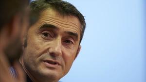 """Valverde: """"¿La gespa? Ens adaptarem al menú, a la vaixella, a tot..."""""""
