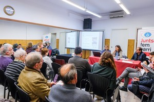 Alcaldessa de Gavà en una presentació de Junts fem barri.