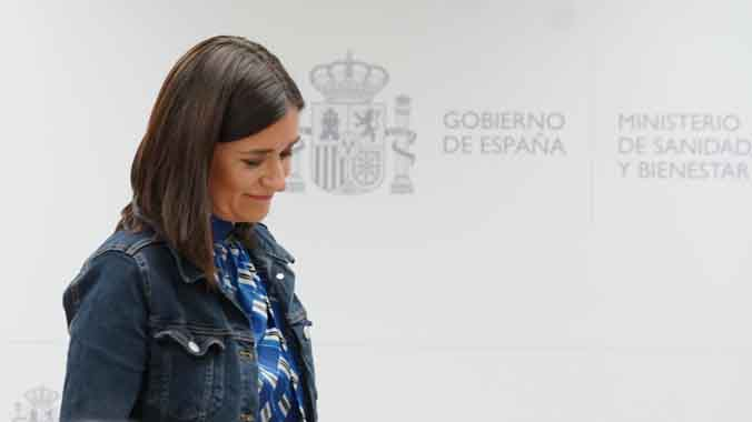 Montón dimiteix pel seu màster irregular per no perjudicar Sánchez