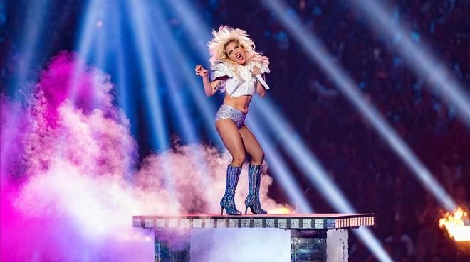 Lady Gaga cancela de nuevo su gira europea.