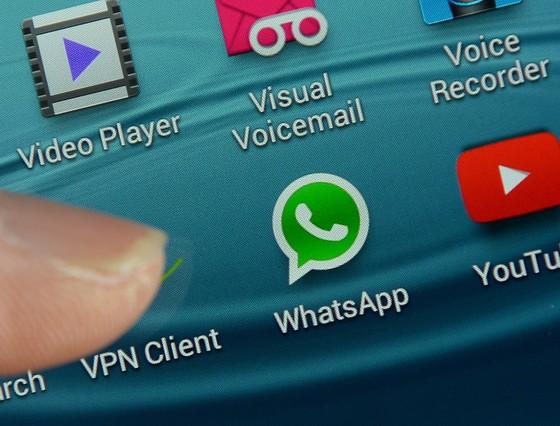 El logo de Whatsapp en la pantalla de un teléfono móvil.