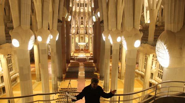 La iluminación de la Sagrada Família sigue las ideas que pensó Gaudí, que imaginó técnicas que en su época no existían