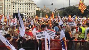 Manifestación convocada por Societat Civil Catalana, el 12 de octubre.