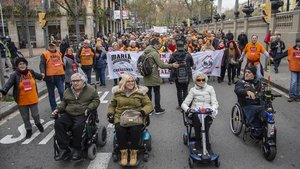 Manifestación en defensa de las políticas sociales, el pasado diciembre, en Barcelona.