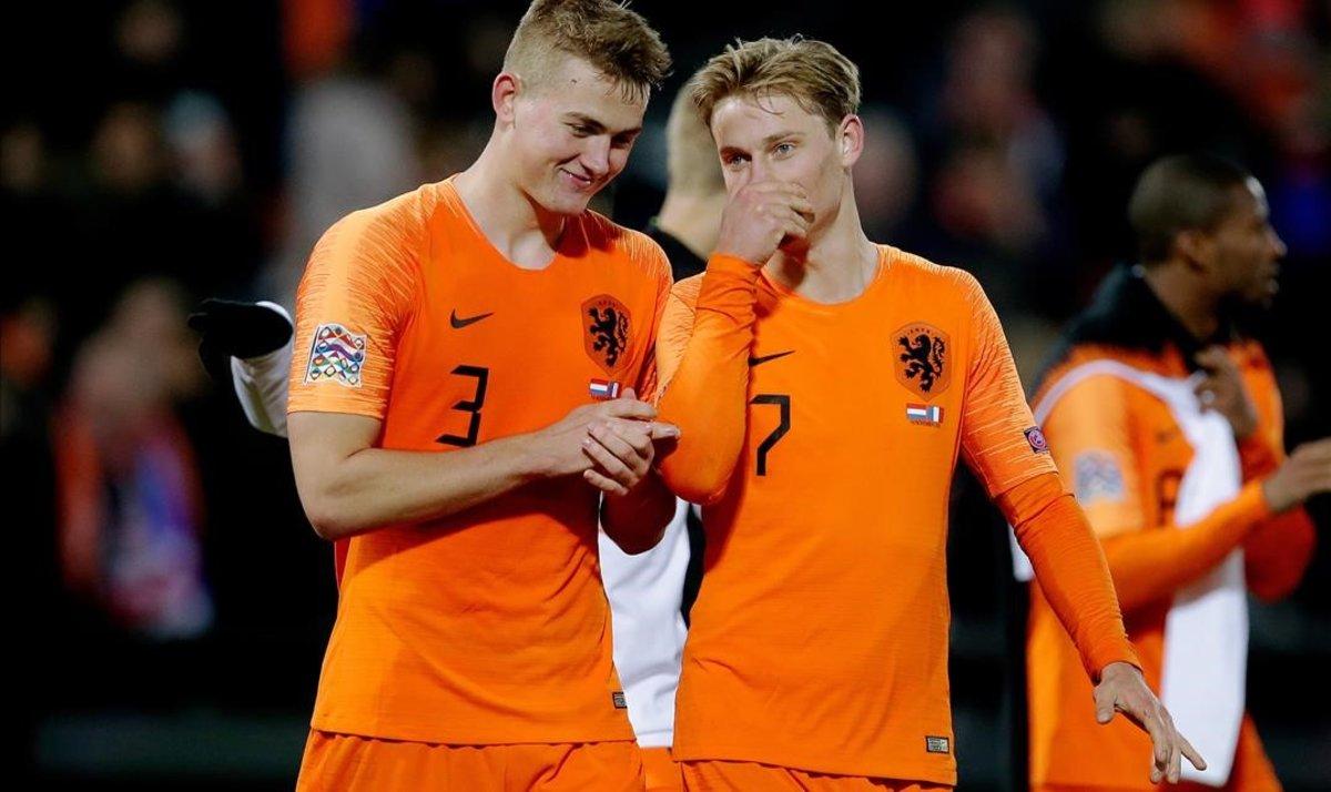 Matthijs de Ligt yFrenkie de Jong, tras lavictoria de Holanda sobre Francia en la Liga de las Naciones.