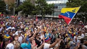 Miembros de la oposición venezolana durante una manifestación en julio del 2017.