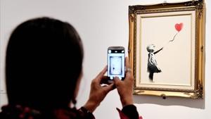 La obra de Bansky 'Niña con el globo', expuesta en Roma, favorita de los británicos.
