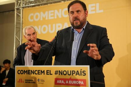 Oriol Junqueras se dirige a la militancia, la noche electoral en la sede de ERC en Barcelona.