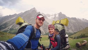 Óscar Tamayo y Blanca Hernández dan la vuelta al mundo en bicicleta para recaudar dinero para chicos con enfermedades.