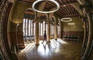 Uno de los salones nobles del Palau Baró de Quadras, edificio modernista reformado por Josep Puig i Cadafalch, entre 1904 y1906 en la Diagonal, actual sede del Institut Ramon Llull.
