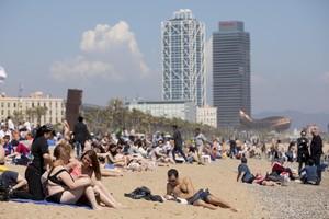 La playa de la Barceloneta de Barcelona durante la pasada Semana Santa.