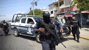Elementos de la policía de México duranteun operativo.