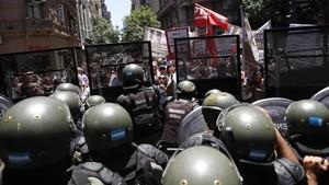Policías en una manifestación en Buenos Aires.
