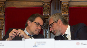 El president de la Generalitat, Artur Mas, i l'alcalde de Tarragona, Josep Fèlix Ballesteros, durant l'acte per segellar la col·laboració als Jocs Mediterranis.