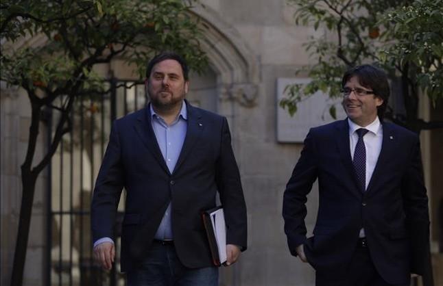 Puigdemont se reúne con la CUP para tratar de acercar posiciones sobre ATLL