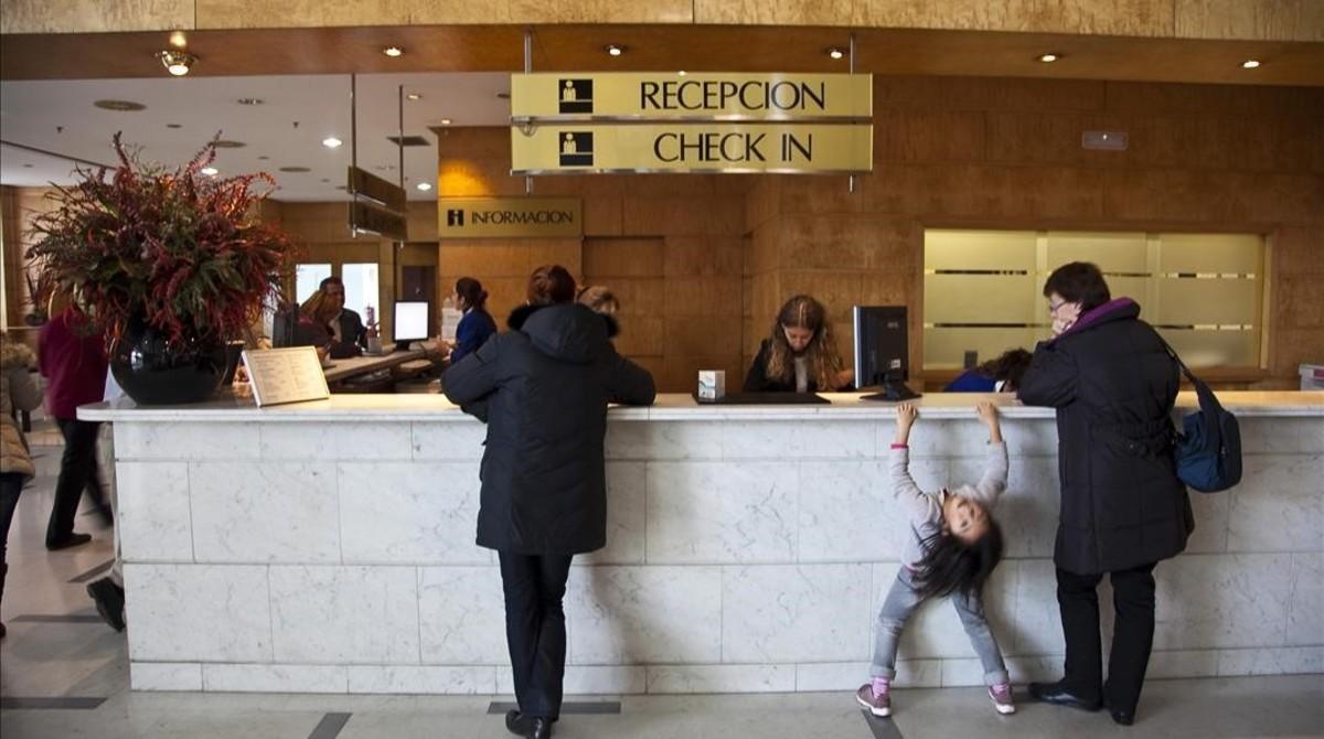 Recepción de un hotel en Barcelona.