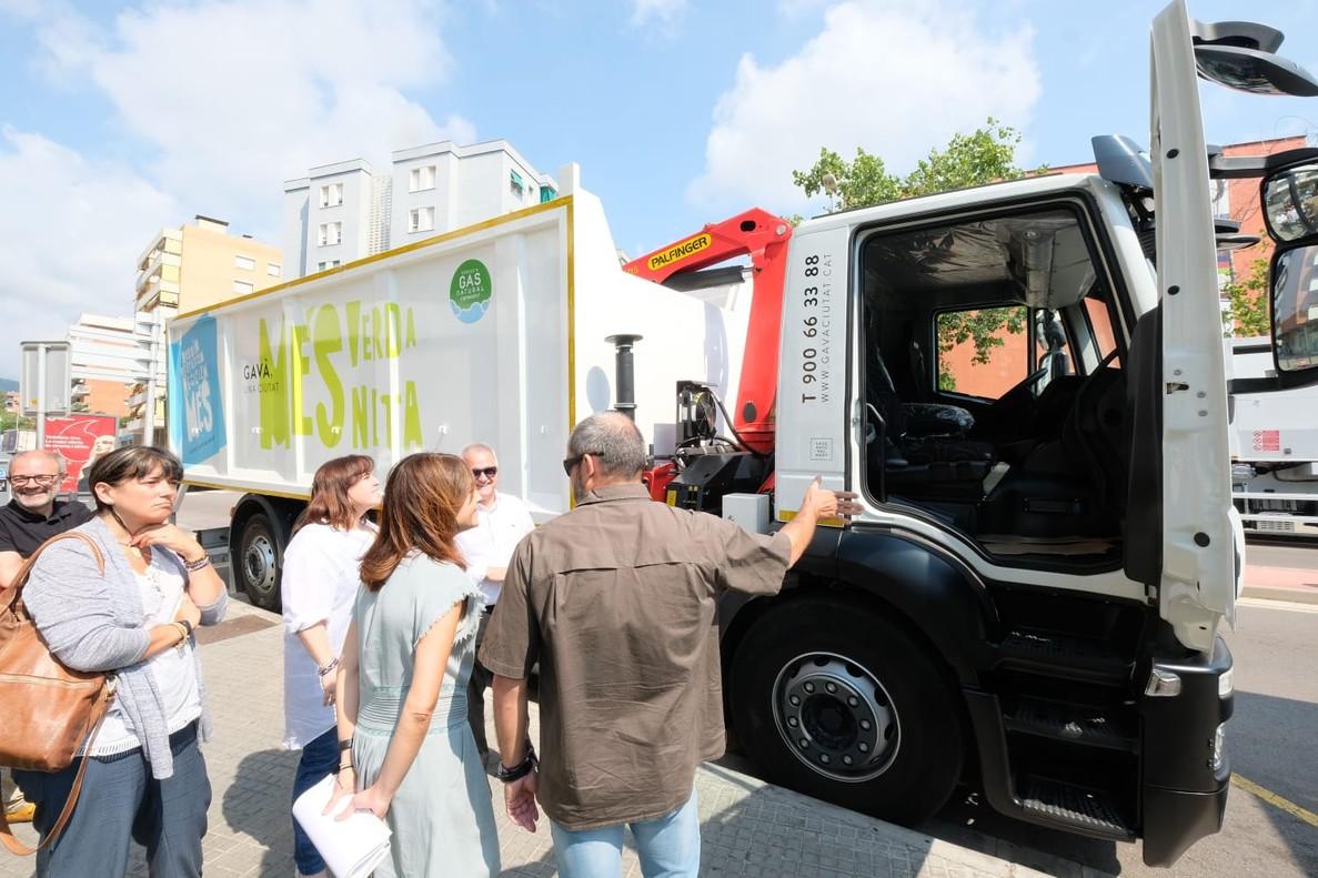 La renovación de la flota de vehículos de recogida de residuos urbanos es una de las medidas adoptadas por el consistorio gavanense