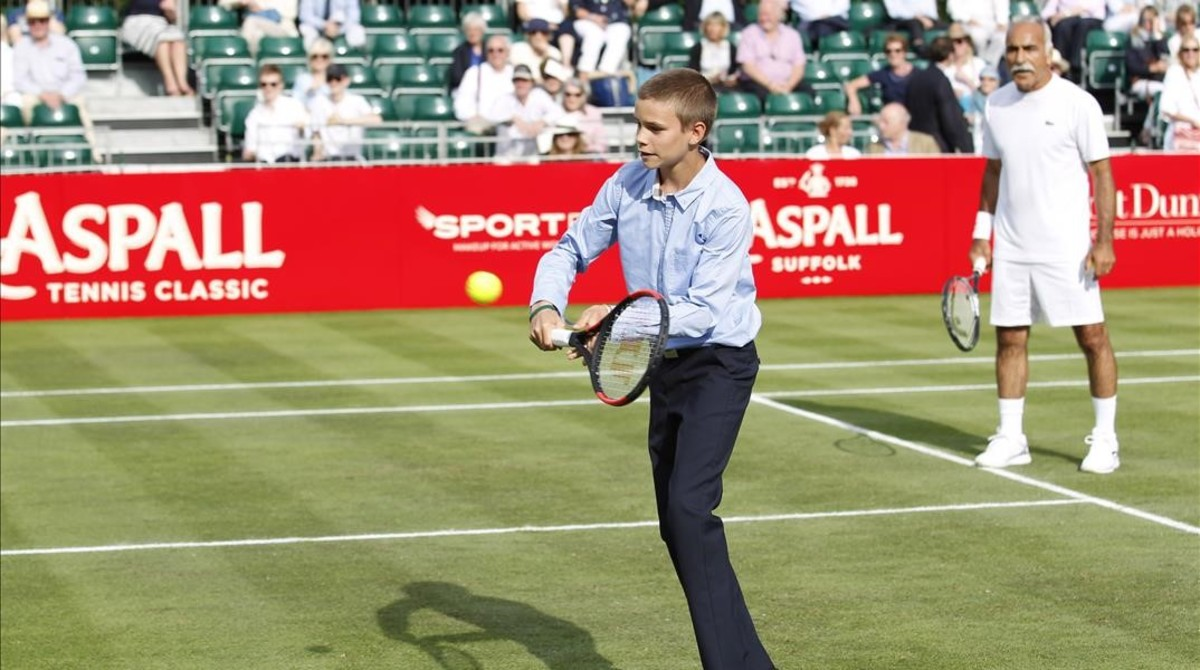 Romeo Beckham prepara su carrera como tenista en la Rafa Nadal Academy de Manacor (Mallorca).