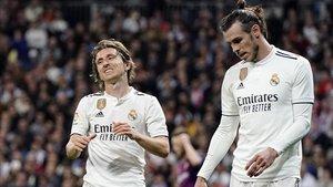 Modric y Bale se lamentan en el partido disputado en el Bernabéu.