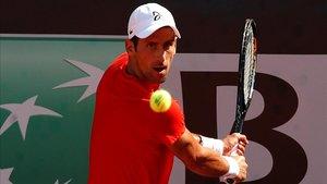 Djokovic se entrena en Roma, este lunes.