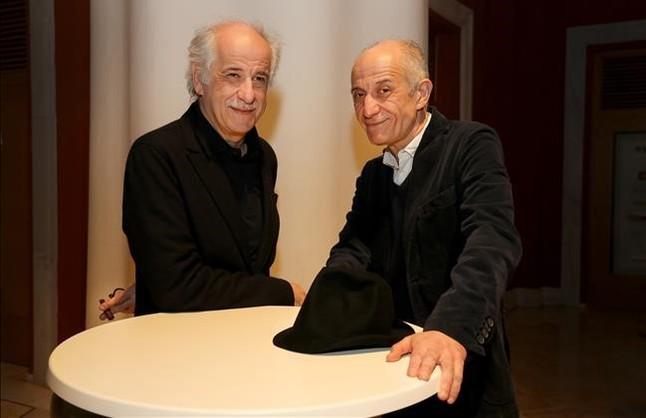 El actor y director Toni Servillo posa junto a su hermano músico, Peppe, en el Lliure.