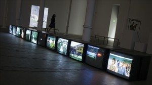 Una de las salas de la exposición 'Empatía', que recorre en la Fundació Tàpies la obra de Harun Farocki.