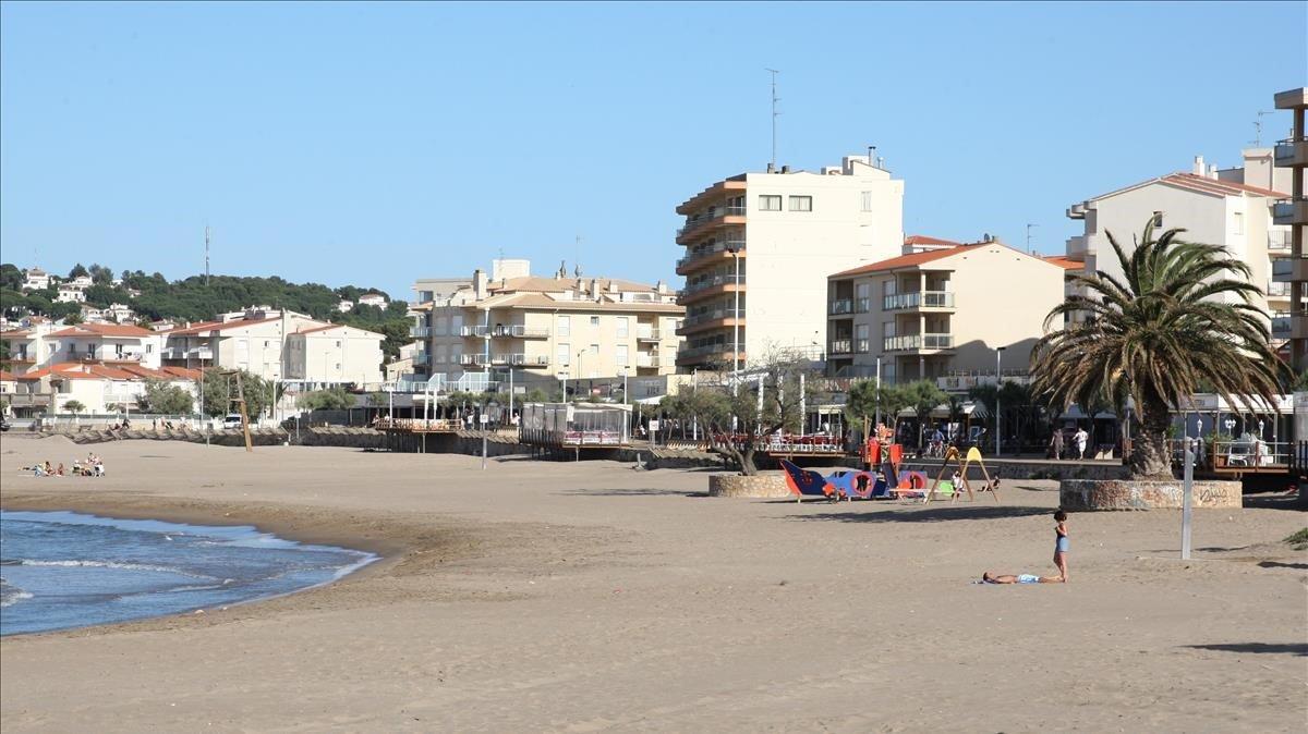 Una playa de L'Escala, en el Alt Empordà.