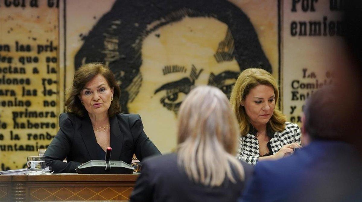 La vicepresidenta y ministra de Igualdad, Carmen Calvo, en una comparecencia en el Senado.