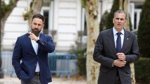 El líder de Vox, Santiago Abascal, y el secretario general del partido, Javier Ortega Smith
